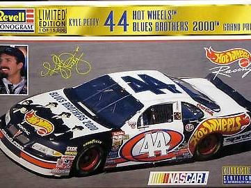 Revell 1/24 Kyle Petty Blues Brothers Pontiac Grand Prix