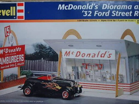 Revell 1/24 McDonald's Diorama & 32 Ford Street Rod