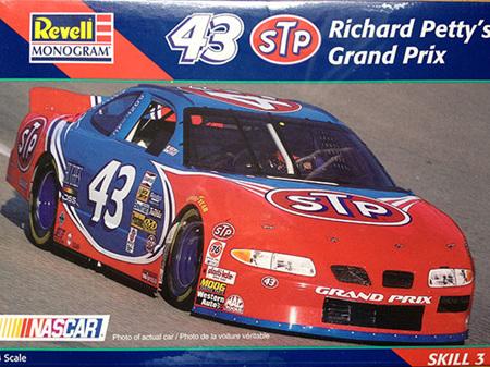 Revell 1/24 Richard Petty's STP Pontiac Grand Prix