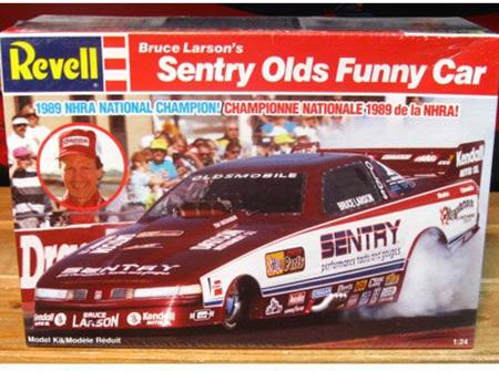 Revell 1/24 Sentry Olds Funny Car (RMX7460)