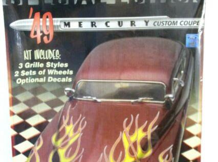 Revell 1/25 49 Mercury Custom Coupe Special Edition (RMX2860)