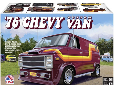 Revell 1/25 76 Chevy Custom Van (RMX4490)