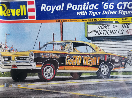 Revell 1/25 Royal Pontiac 66 GTO with Tiger Driver Figure (RMX4167)