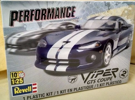 Revell 1/25 Viper GTS Coupe (RMX6359)