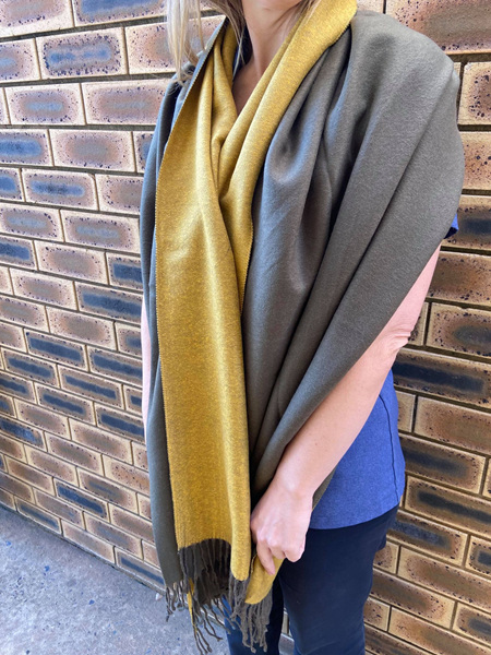 REVERSIBLE SCARF OLIVE