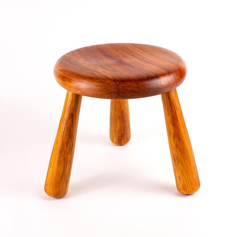 rimu milking stool