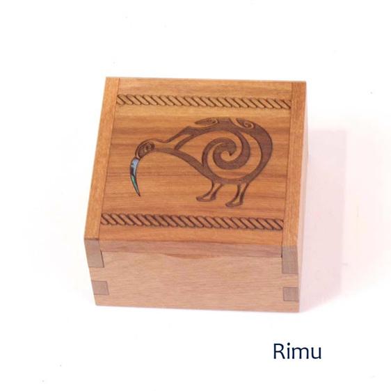 rimu ring box - kiwi