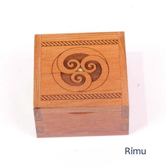 rimu ring box - koru