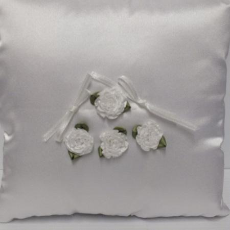 Ring Cushion white 5 styles 0609