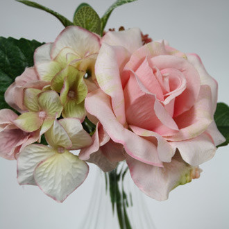 Rose, hydrangea and berry spray 1161