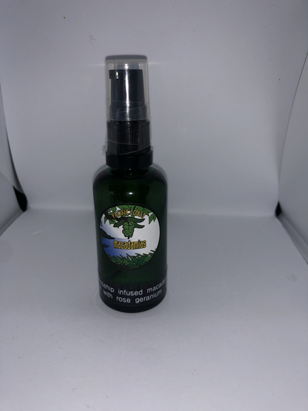Rosehip infused macadamia nut oil for skin 50ml