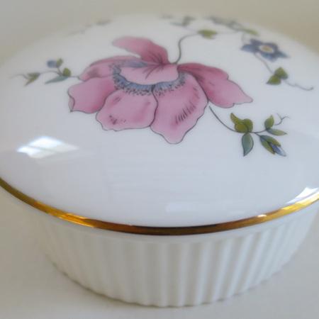 Rosemead lidded pot