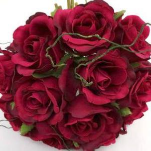 Roses,  a dozen in a Posy 1007