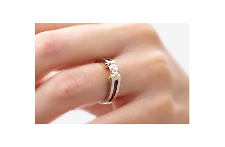 Round Brilliant Cut Diamond Ring - Circlipd Brilliant on hand