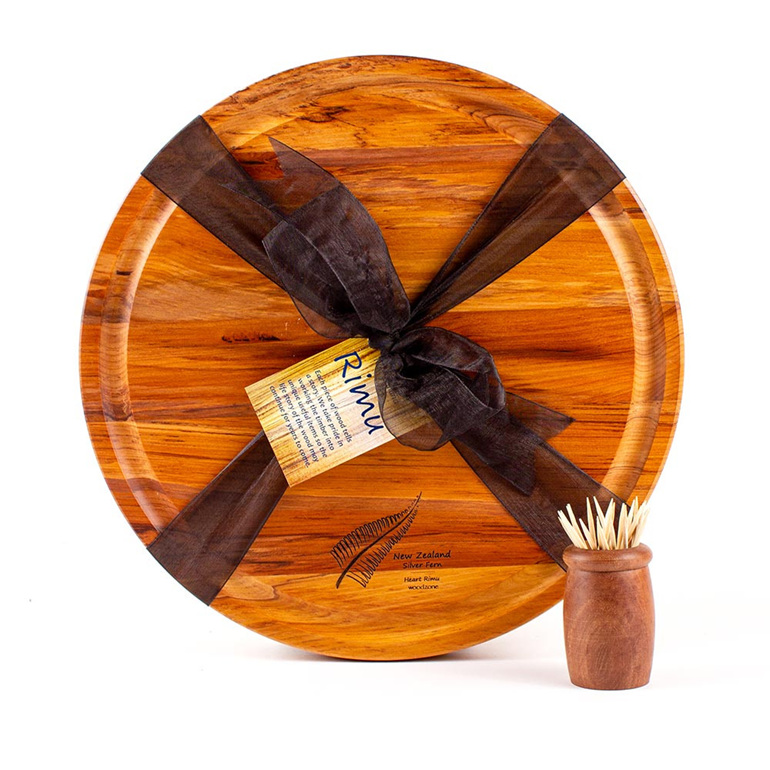 Round Cheese Board Medium with Juice Groove and Engraved NZ Icon