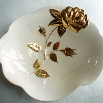 Royal Winton - large white and gold dish