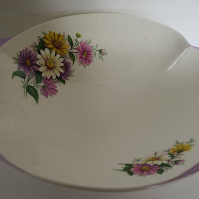 Interesting shaped bowl