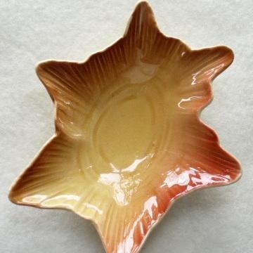 Royal Winton - small brown star dish