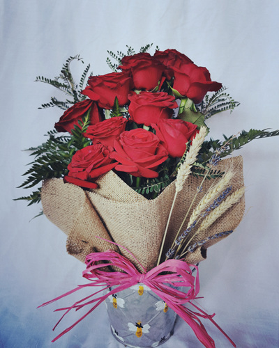 Rustic 10 Roses