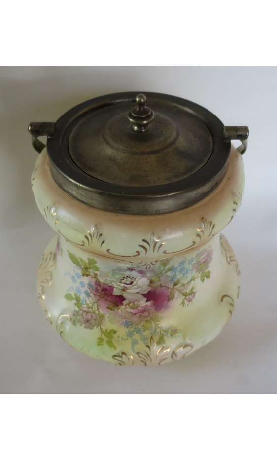 S Fielding biscuit barrel