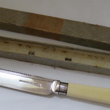 Scone knife