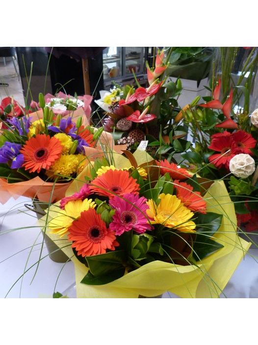 Seasonal blooms from Royal Oak Flowers Flowerise Florist