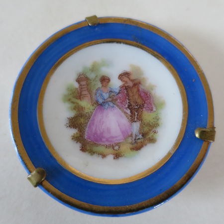 Set of two Limoges plates
