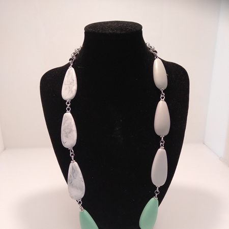 Short Resin Teardrop 3 Toned Necklace