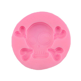 SILICONE MOULD - SKULL & CROSSBONES