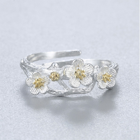 Silver Flowers Ring