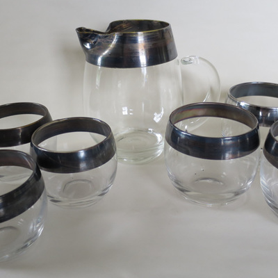 Jug and glasses silver rim