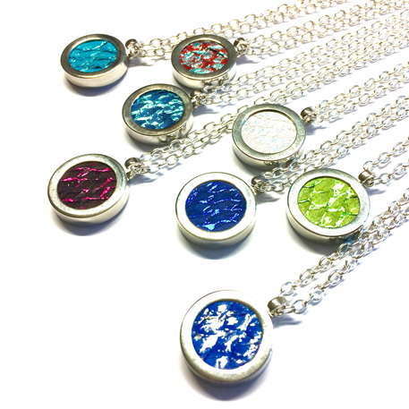 Silver Solid Set necklace