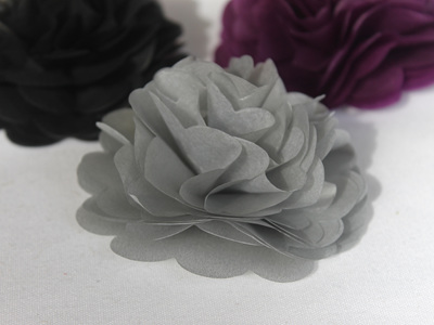Silver tissue flowers