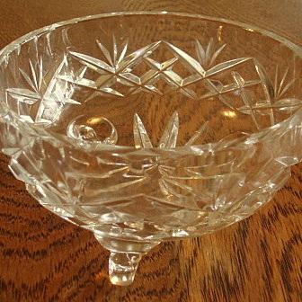 Small crystal dish three legs