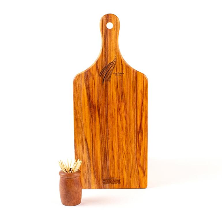 small handle board heart rimu - silver fern