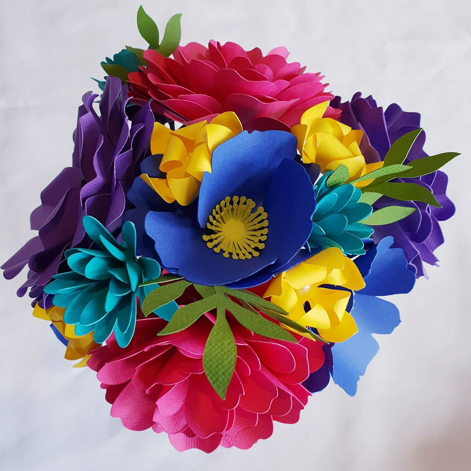 Small paper flower bouquet - Festive Creations