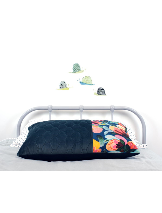 Snail wall decal with floral cushion