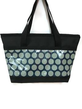 Snapper zipped shoulder bag great for travel or baby bag