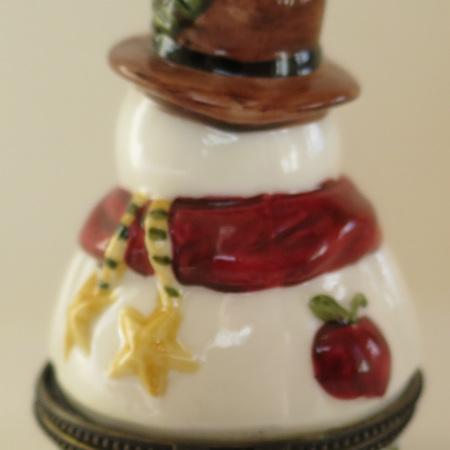 Snowman lidded pot