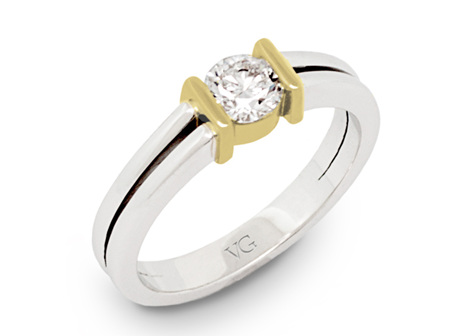 Solitaire Brilliant Cut with Gold Collar on Tapered Split Band