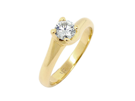 Solitaire Brilliant Four Claw Twist Band