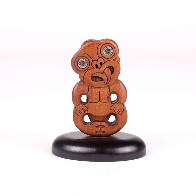 standing swamp kauri carvings