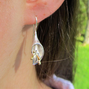 X04 Calla Lily  Drop Earrings