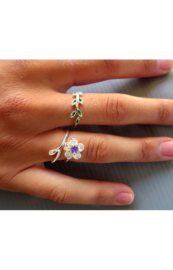 Sterling silver leaflets ring on a hand