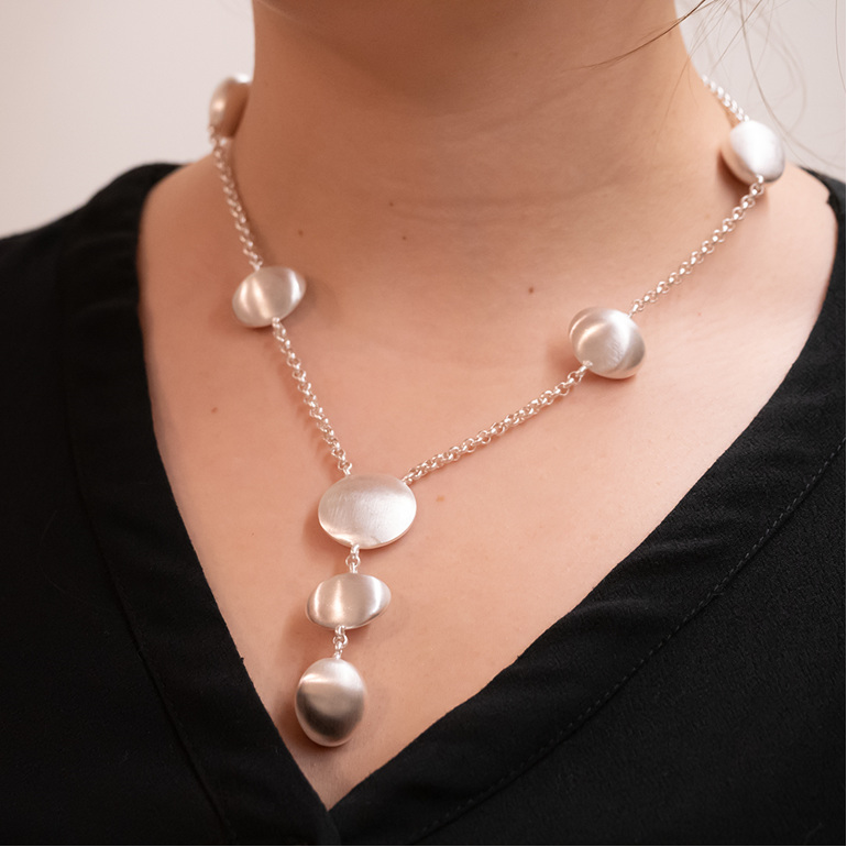 Sterling silver pebble necklace milke collection