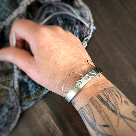 Stowaway magnetic cuffs by ILoveHandles