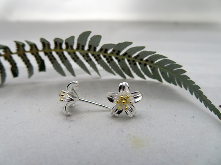 Stud Flower Earrings, sterling silver  X31