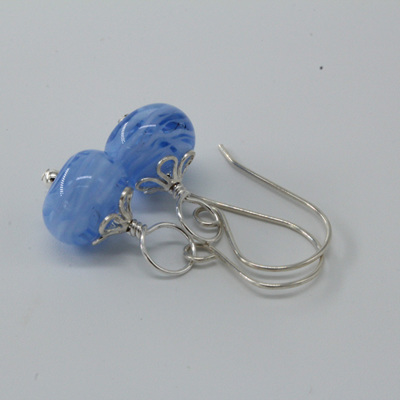 Swirl earrings - Light blue/white
