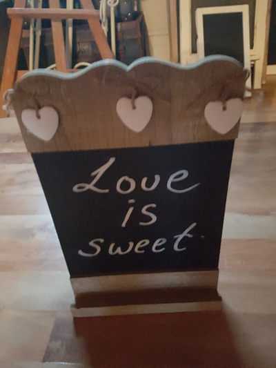 3 Heart Table Sign