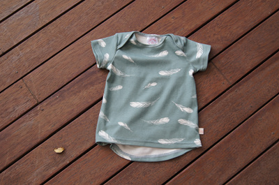 'Taylor' short sleeve Tee, 'Feathers, Mineral' GOTS Organic Cotton, 1 Year